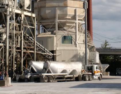 Unloading dry bulk