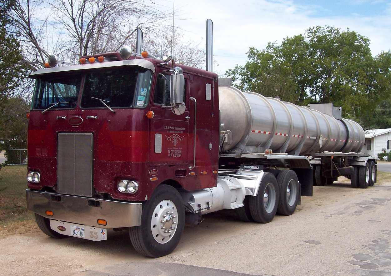 Freightliner Trucks For Sale >> Zach Beadle's 1976 Peterbilt cabover he won't soon sell