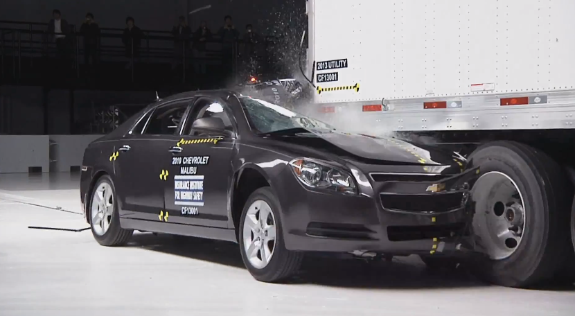 Trailer underride guard mandate proposed by NHTSA