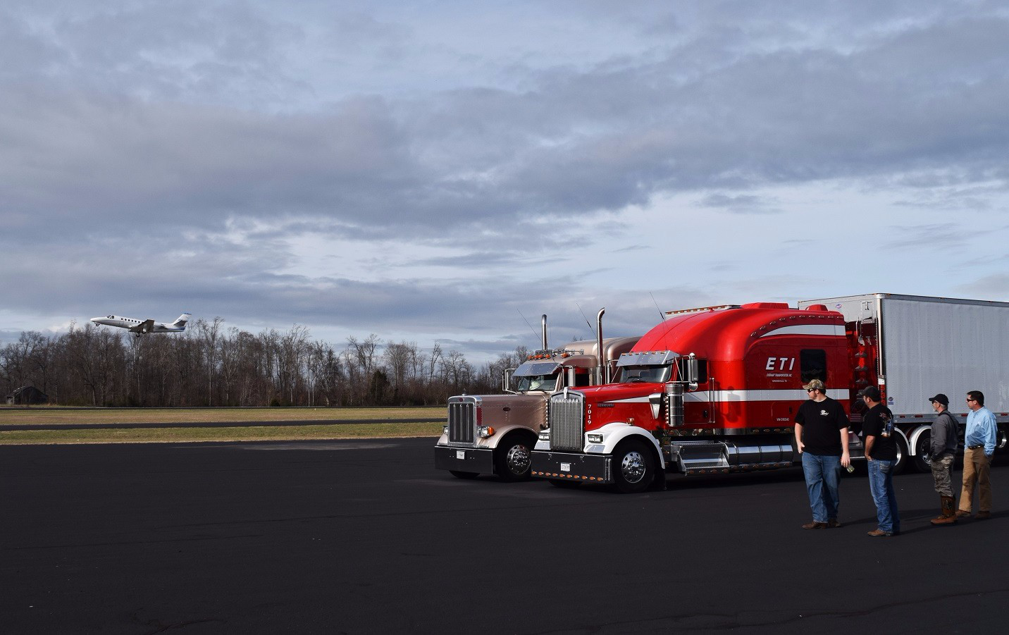 Long Haul Trucking >> Aaron Tippin, Tony Justice: Behind the music video with ...