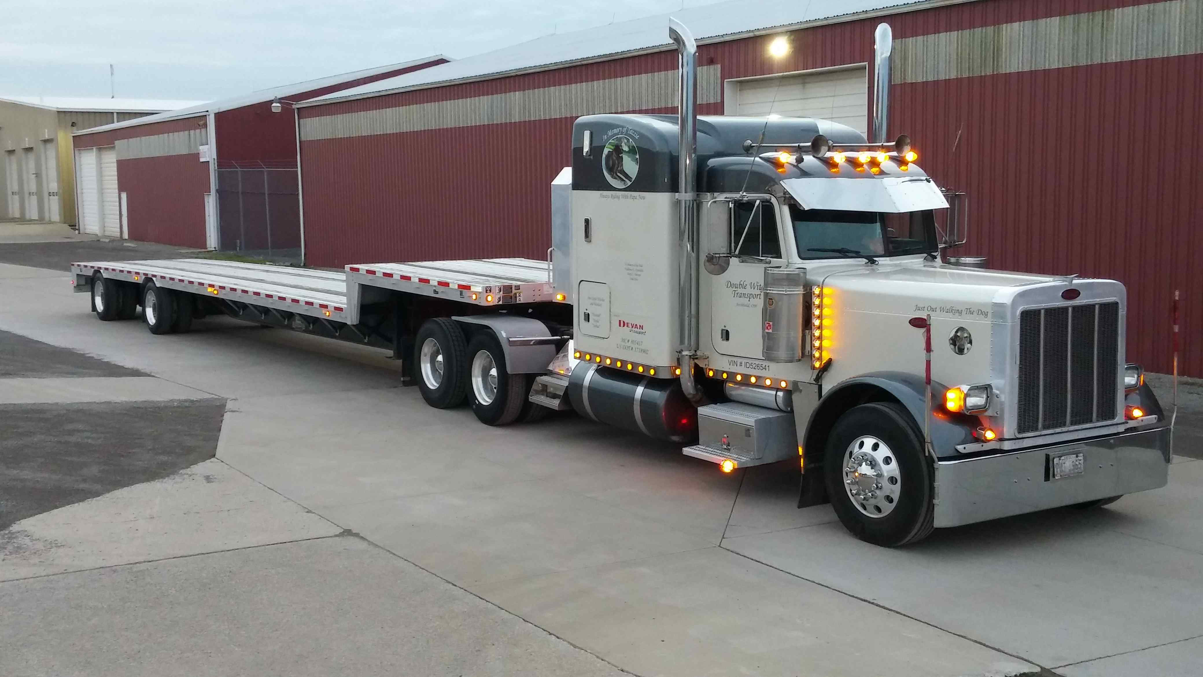 Rolland Johnson s 2001 Peterbilt 379 has a Pittsburgh Power engine uprate  pack 88331e46a37
