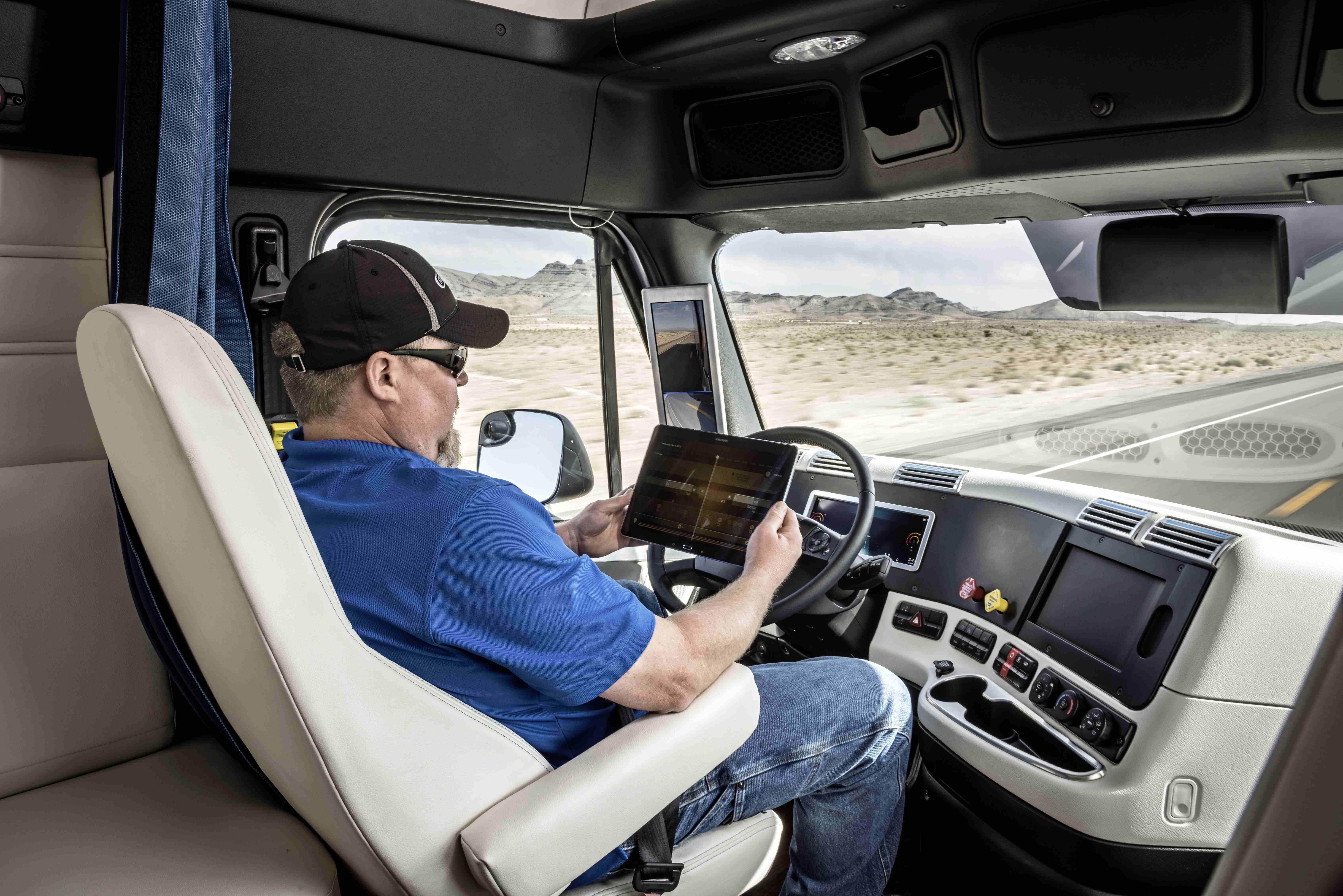 U.S. DOT initiates regulatory framework for autonomous trucks