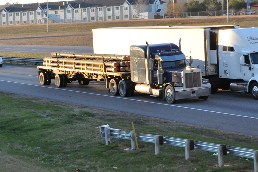 Flatbed haulers who serve the residential construction industry could see varied effects from trends in homebuying and apartment rentals.