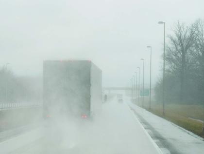 truck-on-highway-in-rain