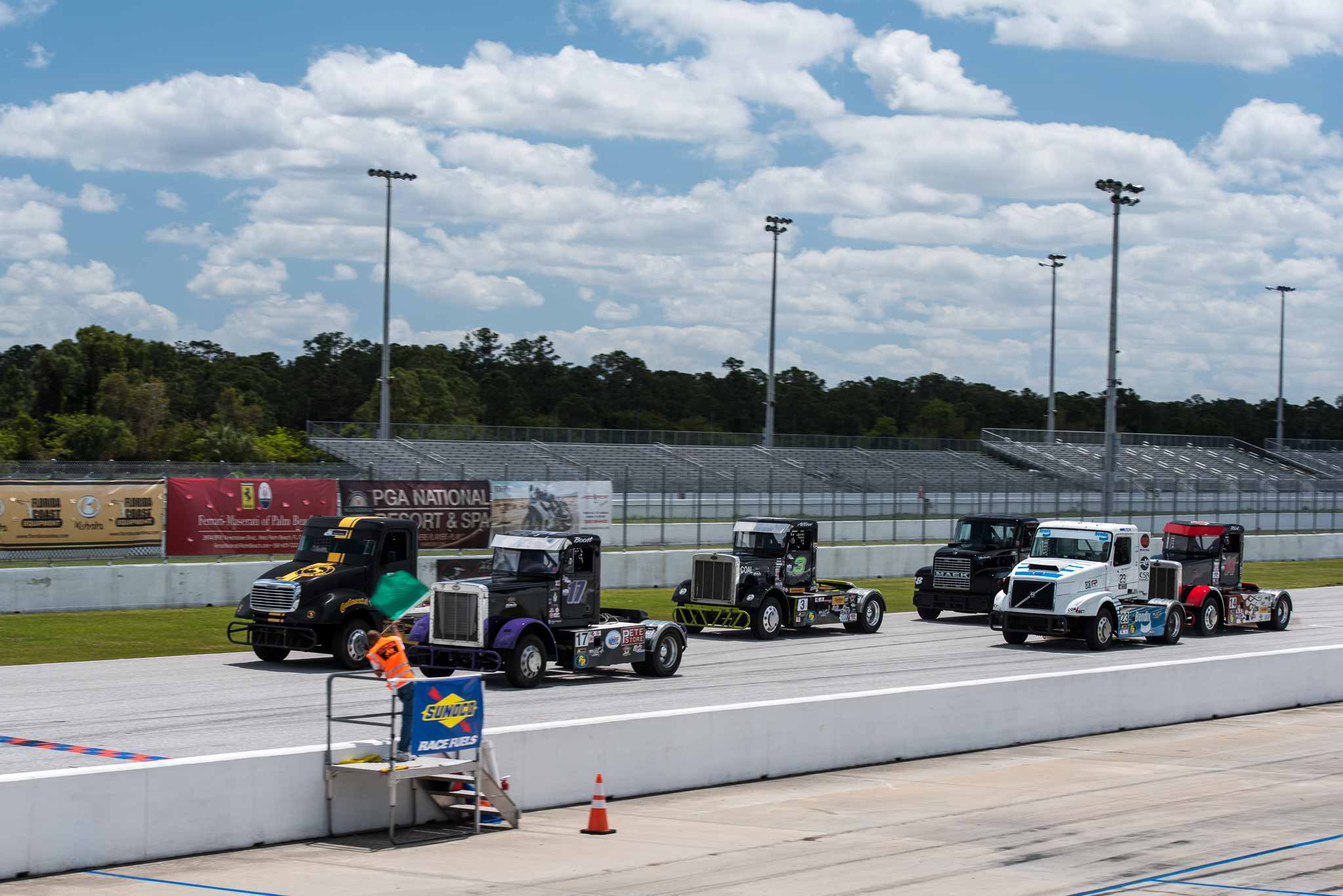 Reigning champ '88 Mike' opens 2016 ChampTruck season with win