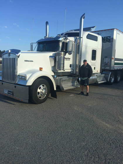 Mark Pettigrew was named AMSA's 2013 Driver of the Year. He drives a 2016 Kenworth W900.