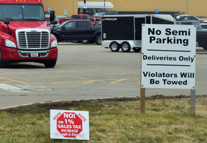 no-truck-parking-with-trucks