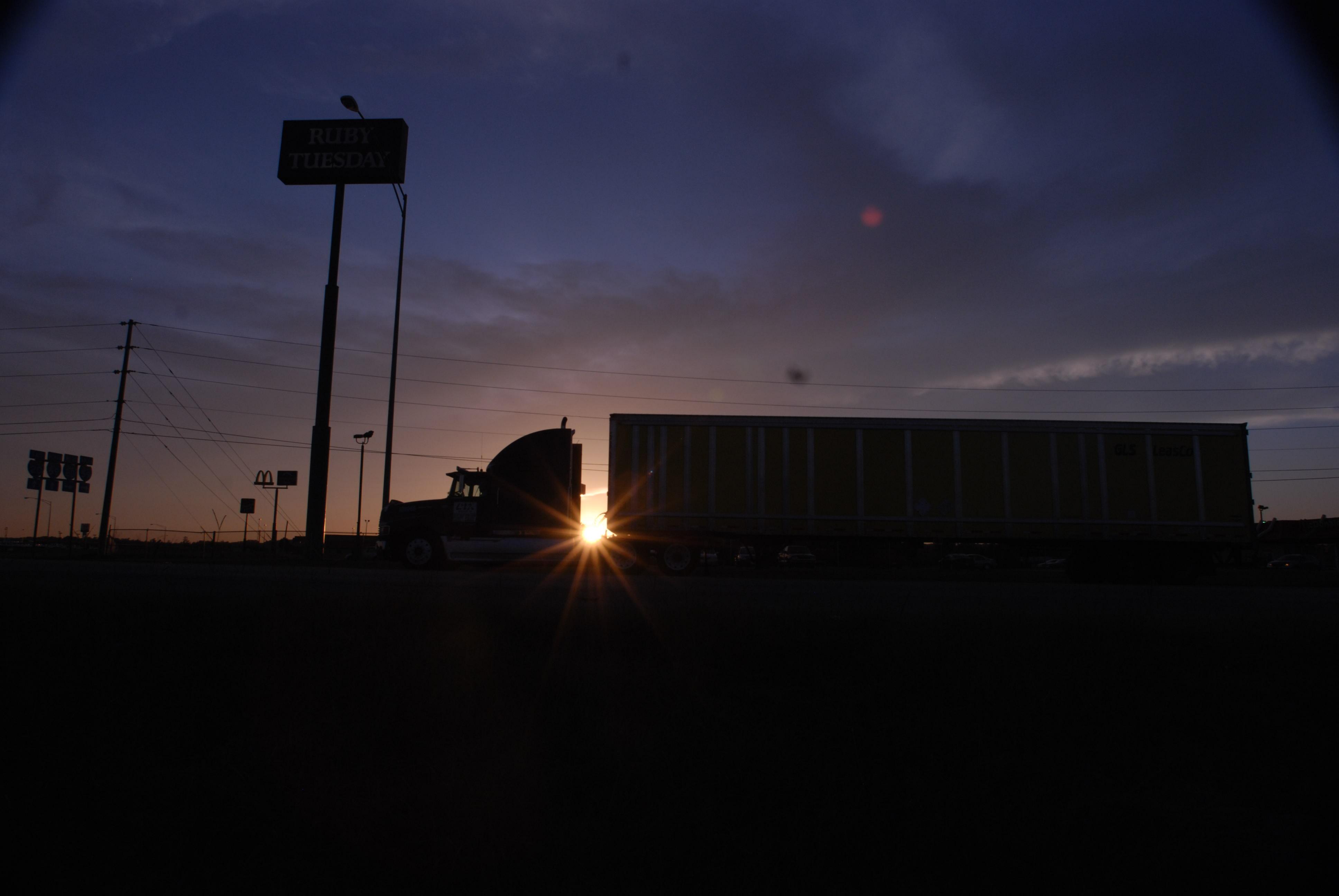 truckstop truck stop hours of service evening parking hos fuel island20071001_0002