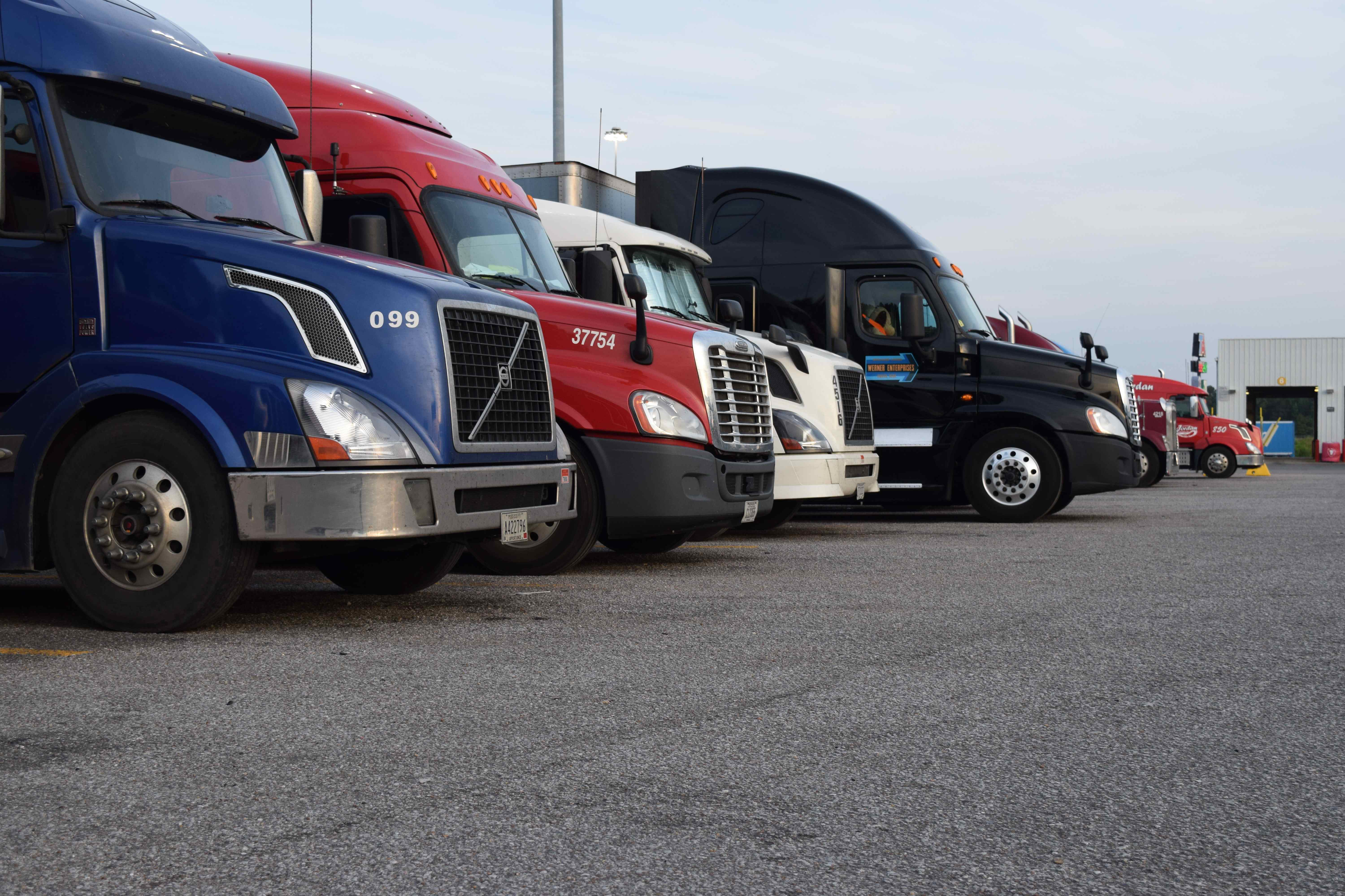 New app shows available truck parking spaces at more than 5,000 locations across U.S.