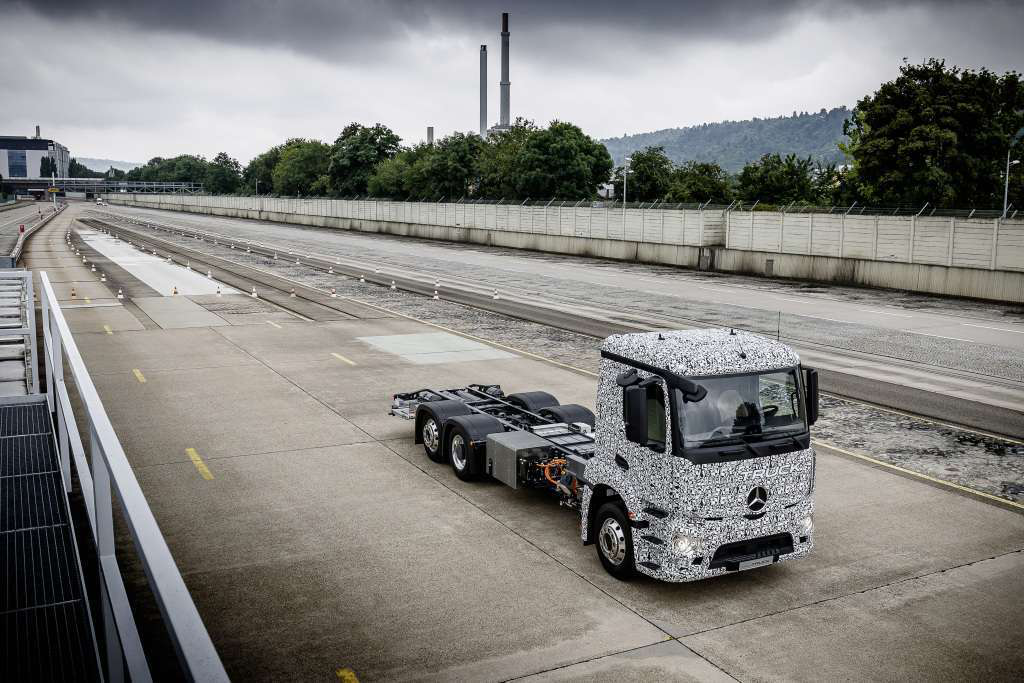 Daimler brings industry's first electric-powered truck