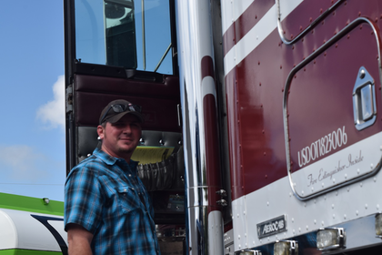 Owner-operator J.D. Terry and the 'Driveway Dream' 1995 KW -- The Rolling CB Interview
