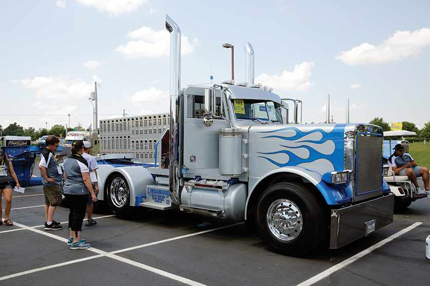 Best of Show: Jake Lindamood's '88  Pete wins top honors at the 2016 Shell Rotella SuperRigs