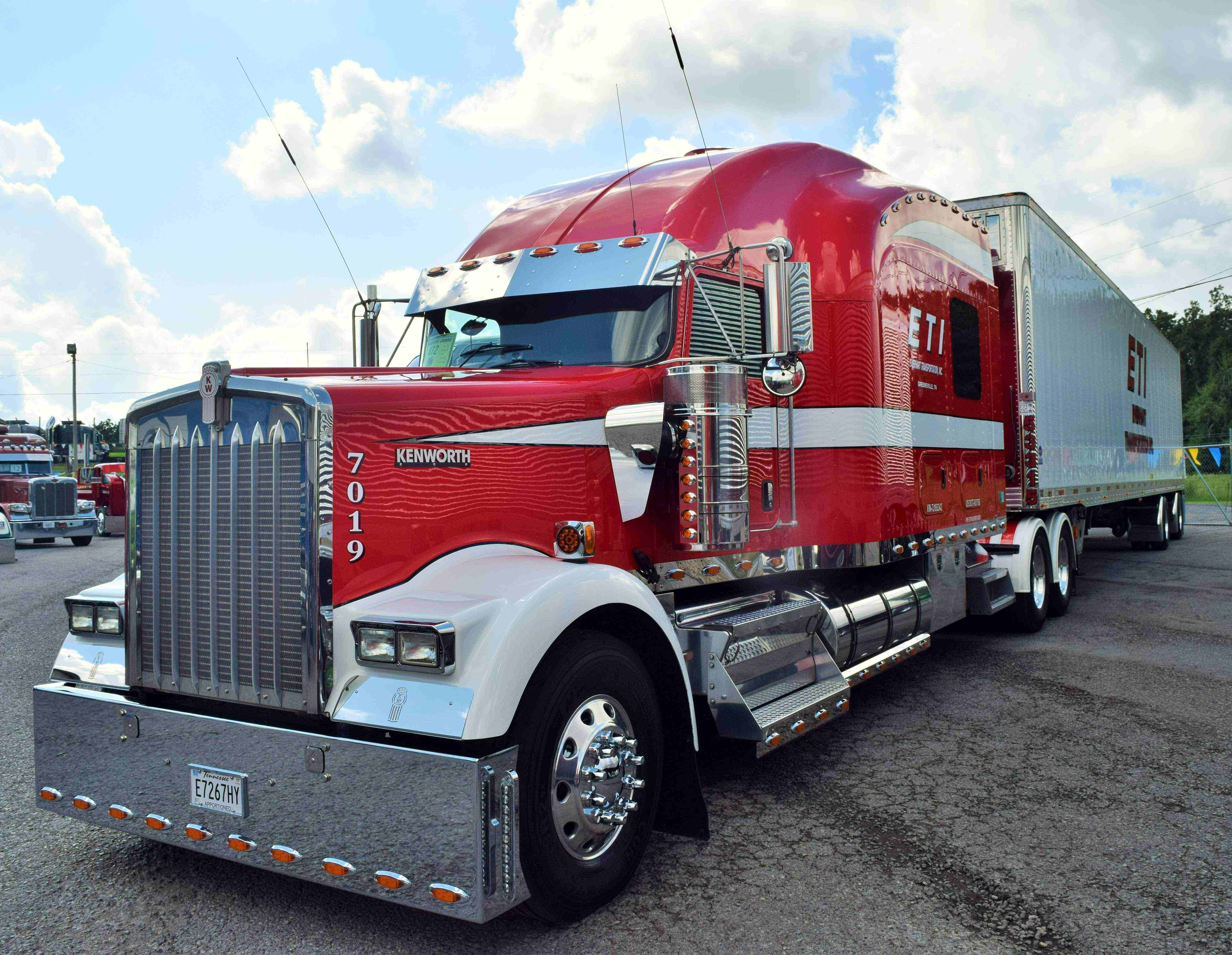 Everhart-Kenworth-W900