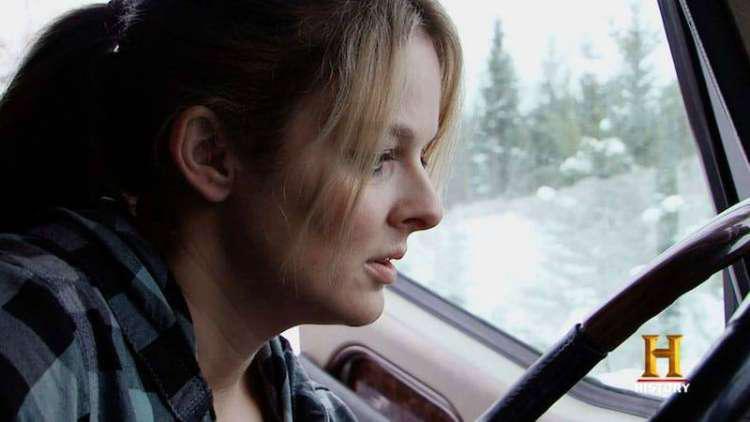 LISA KELLY-ICE ROAD TRUCKER-IN MONOCHROME. - YouTube