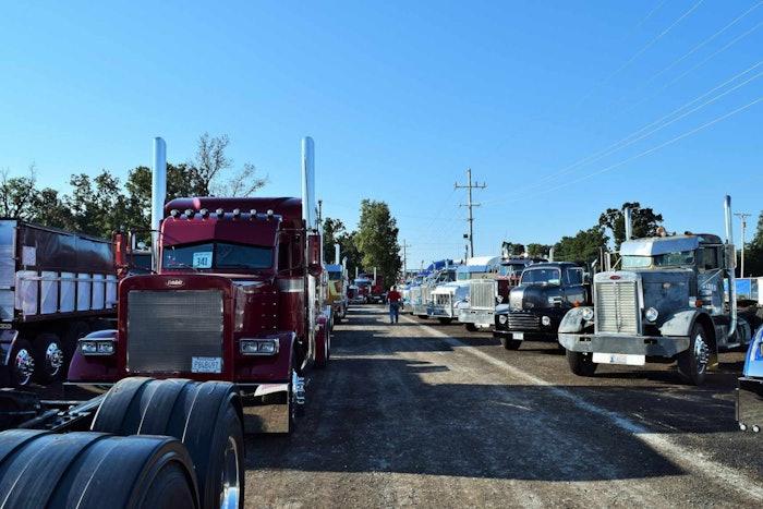 4-state-trucks-show-detail
