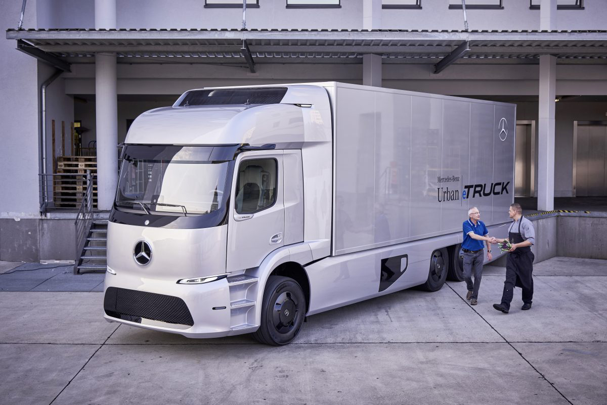 Daimler introduces new electric truck concept