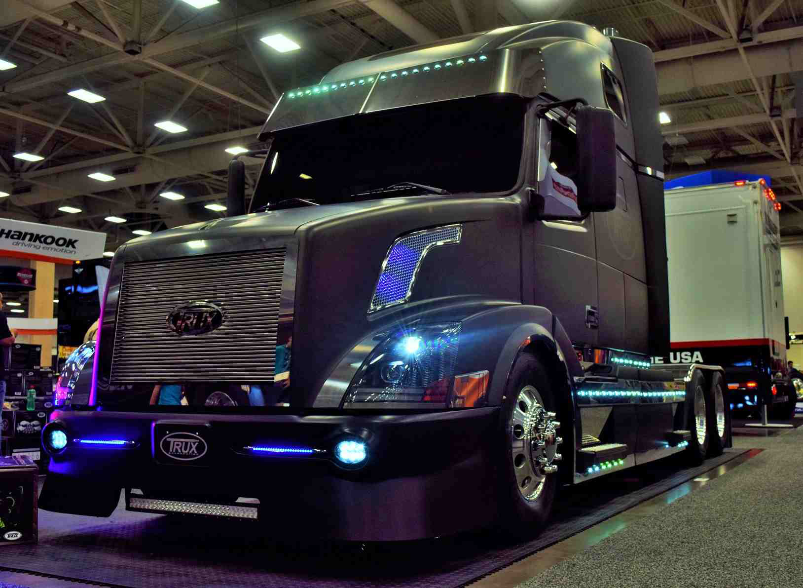 Volvo Fans This One S For You Trux Custom 06 Vnl 670