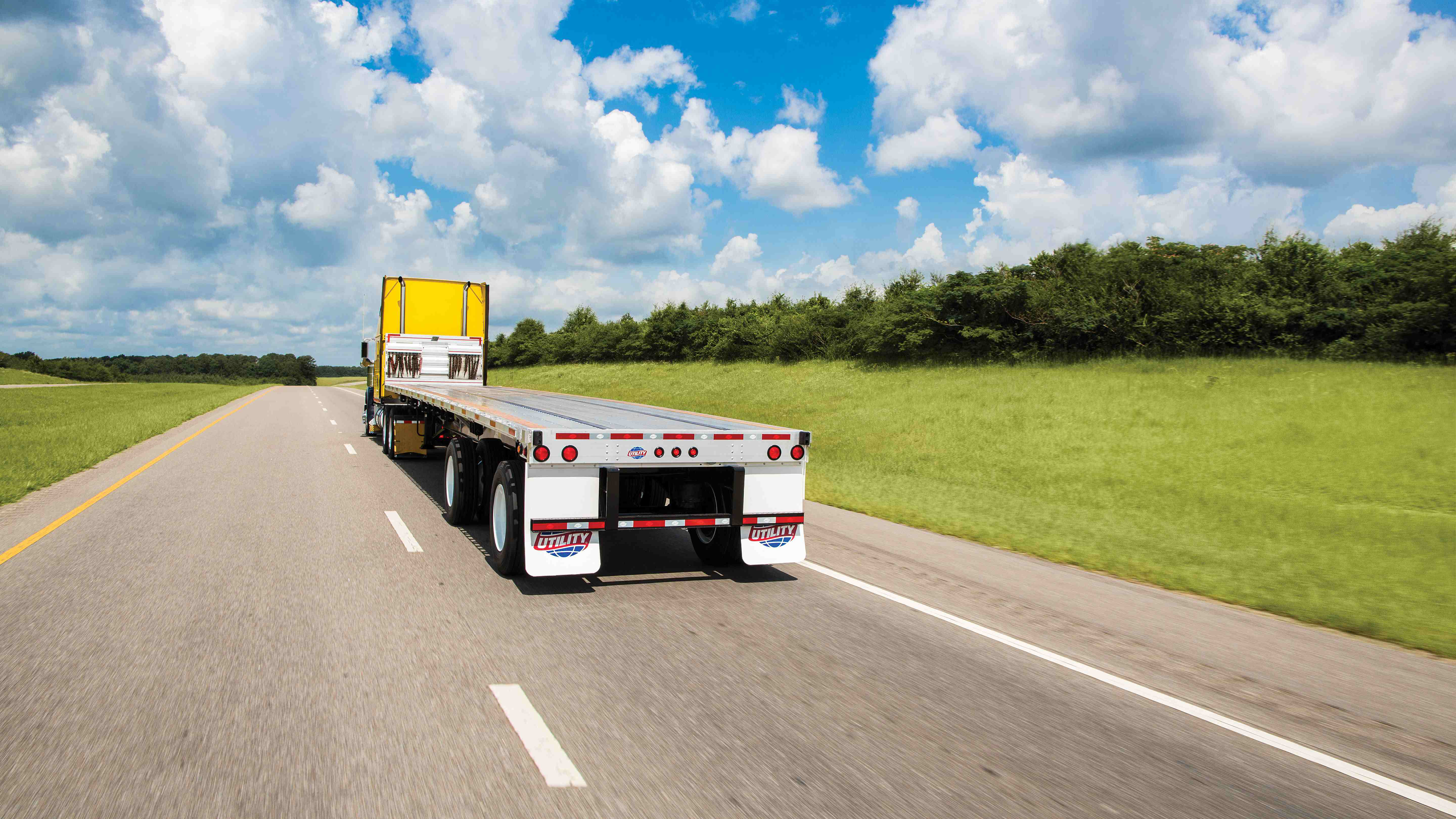 Utility Trailer introduces new, lighter flatbed