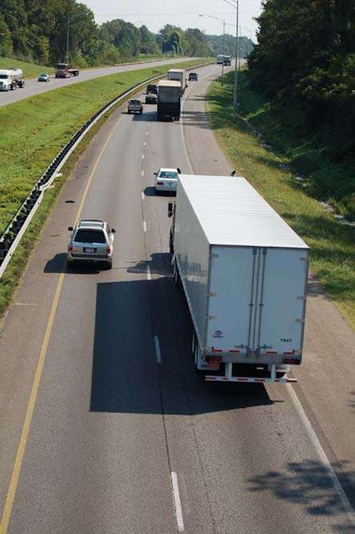 hours-highway-truck20060928_0120