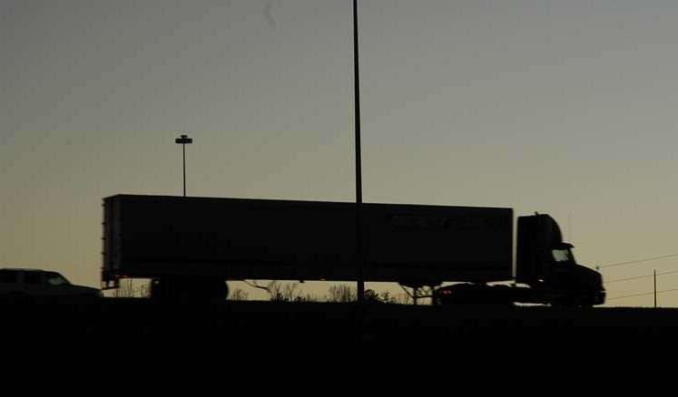 hours-highway-truck20070105_0109