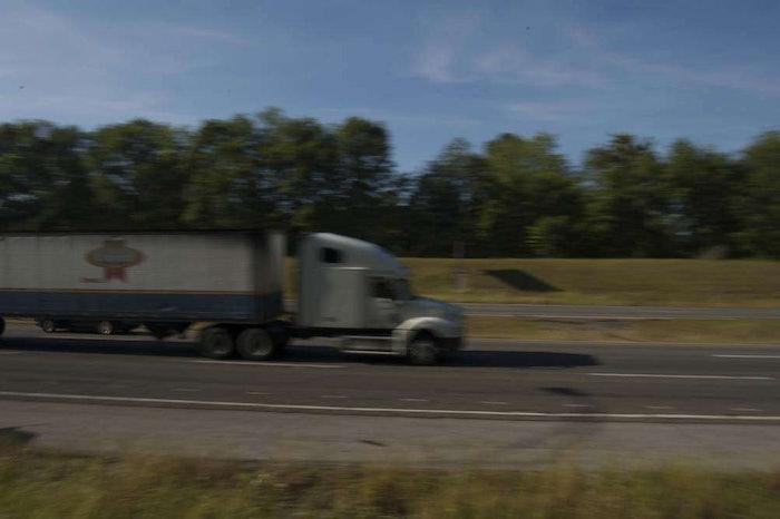 hours-highway-truck20070427_0138