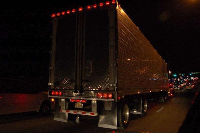 hours-highway-truck20071204_0105
