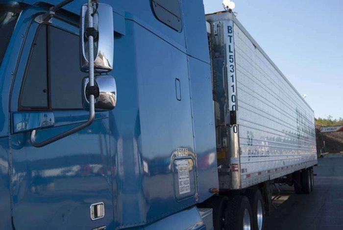 hours-highway-truck20090206_0124