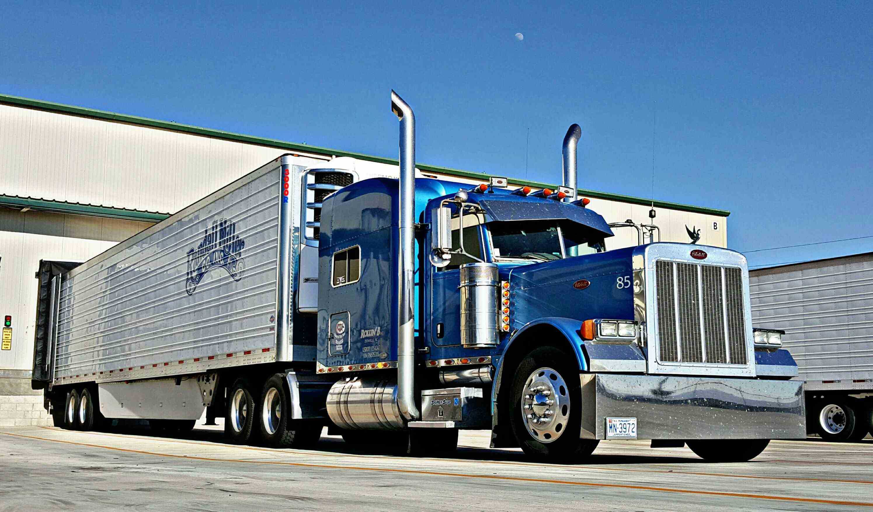 Ingrid Brown's 2007 Peterbilt 379