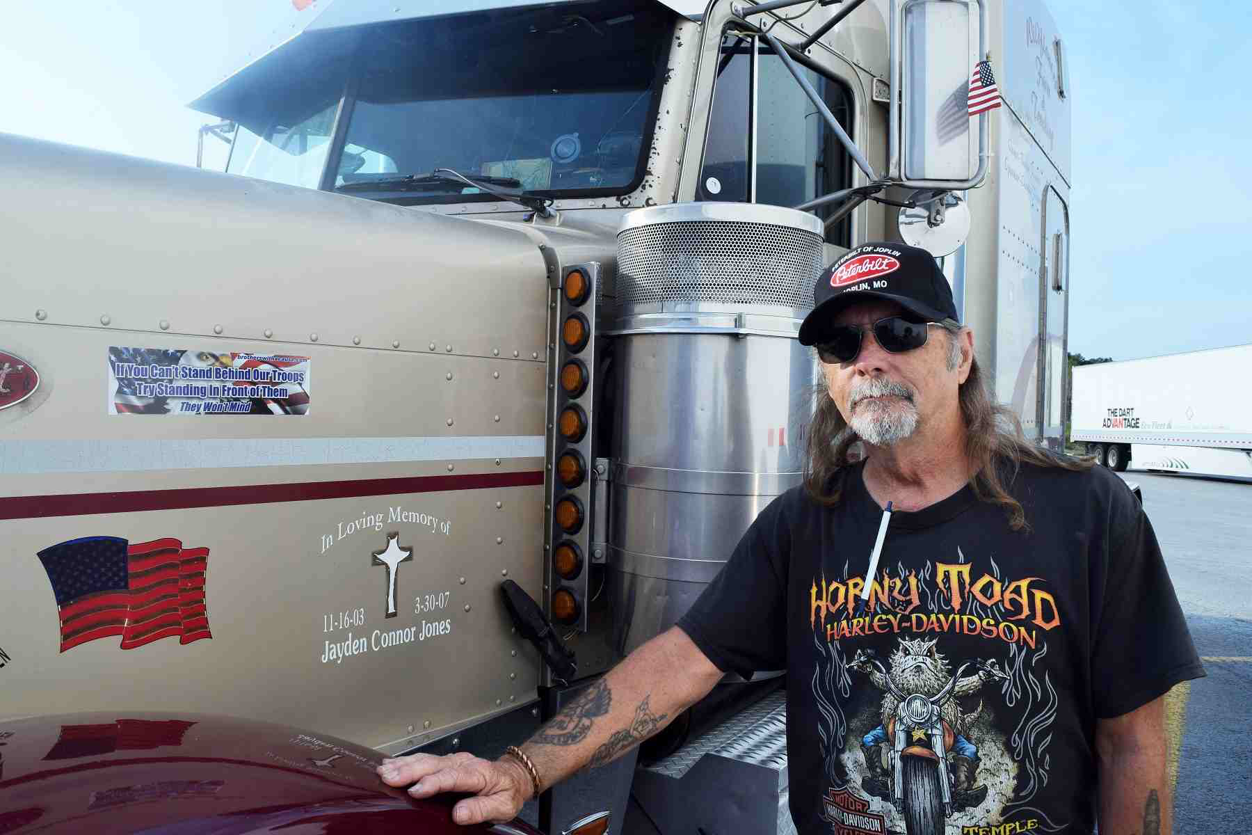 Owner-operator Charlie Flowers didn't serve in the military himself, but his 2000 Peterbilt 379 carries a patriotic theme and, among other members of the family, his daughter was in the Army.