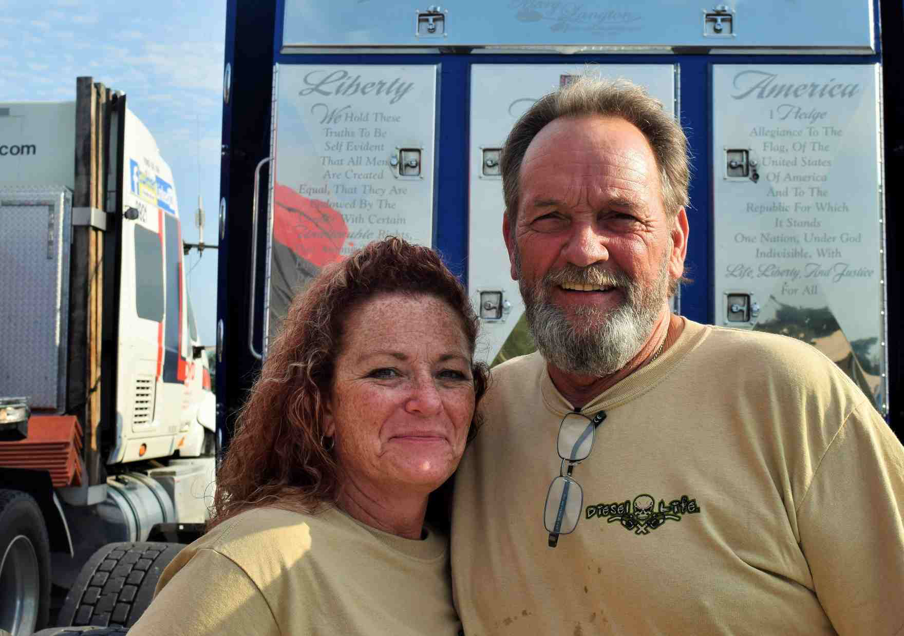Owner-operators Jim and Tani Langton run leased to Trailer Transit in the Canada-built 2000 Western Star pictured above, carrying a patriotic motif.