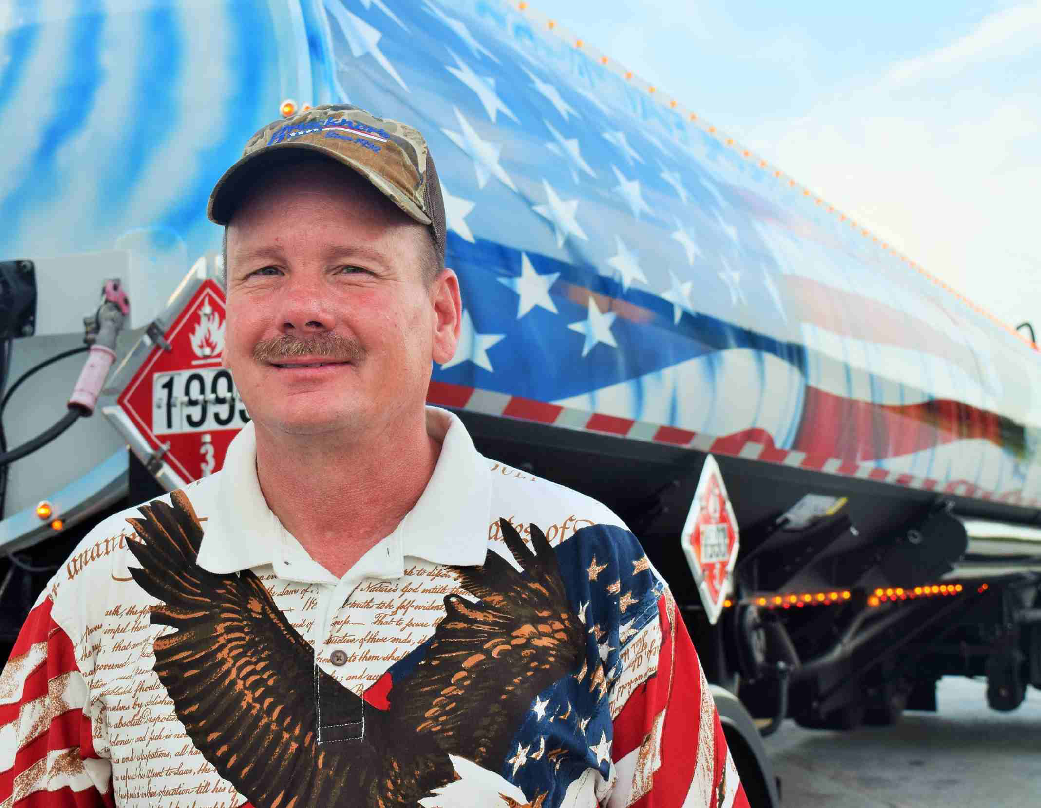 Stunning New Mexico military tribute tanker from owner-operator Grant Maxey