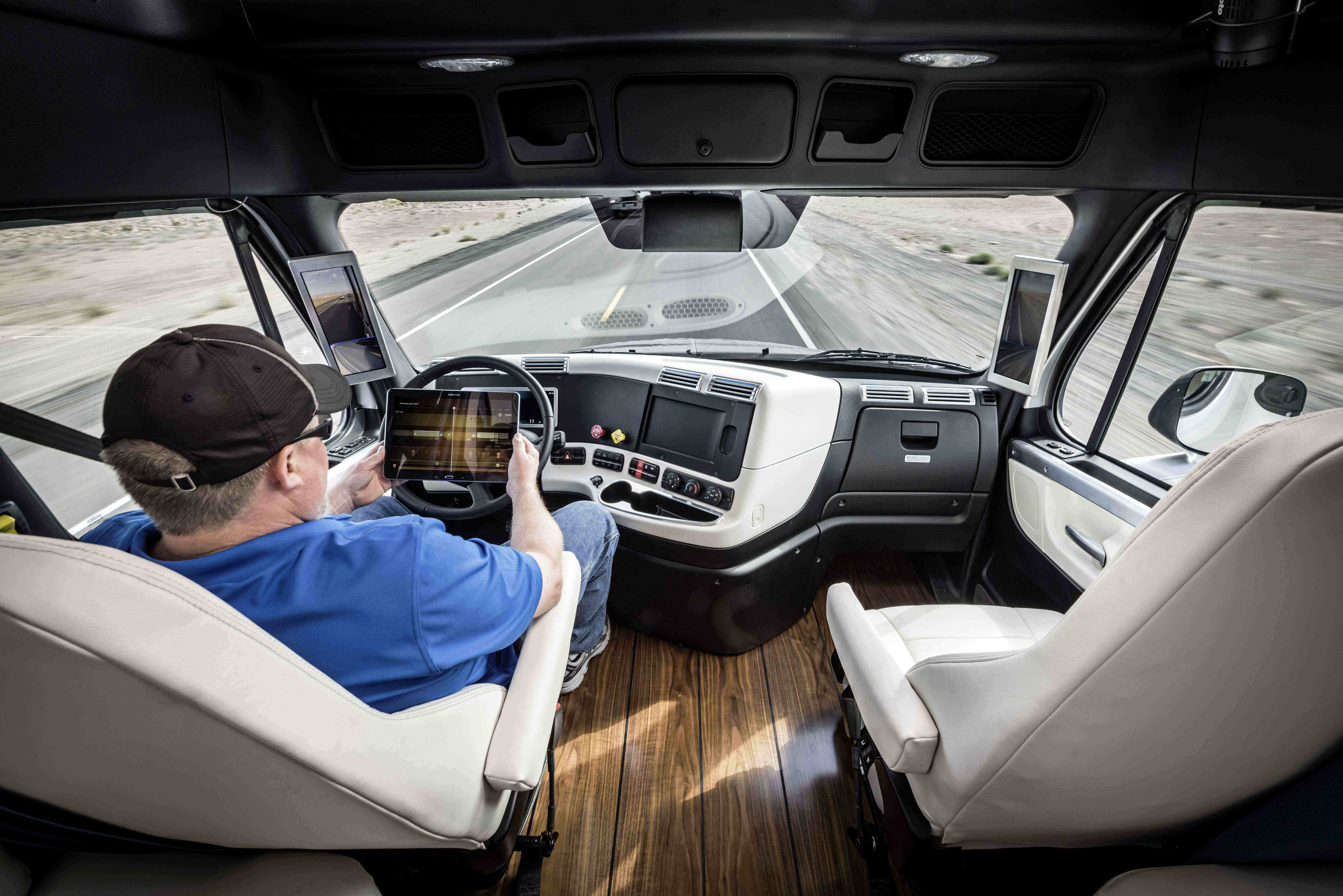 Nice Carrier Coalition Supports Semi Autonomous Trucking, Wants Drivers To  Remain In Cab