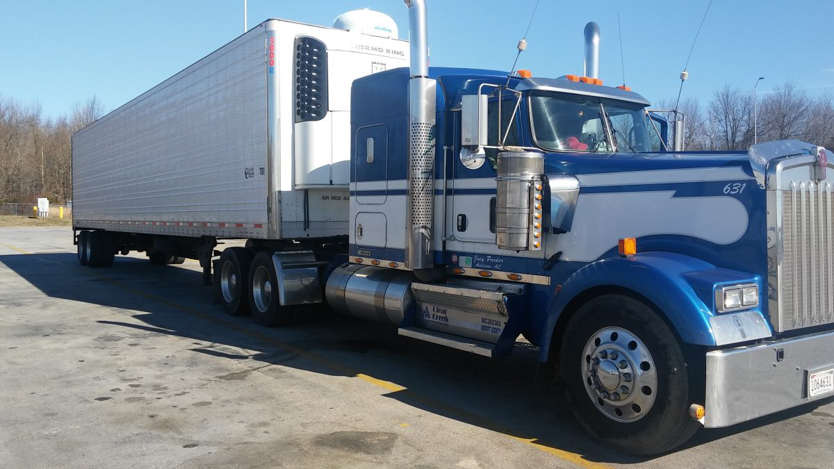 Joey Parker Trucking's 2011 Kenworth
