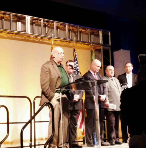 Charles Endorf wins CVSA driver award, challenges drivers to embody the professional image they want