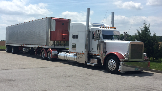 Larry Olevnik's 2006 Peterbilt 379