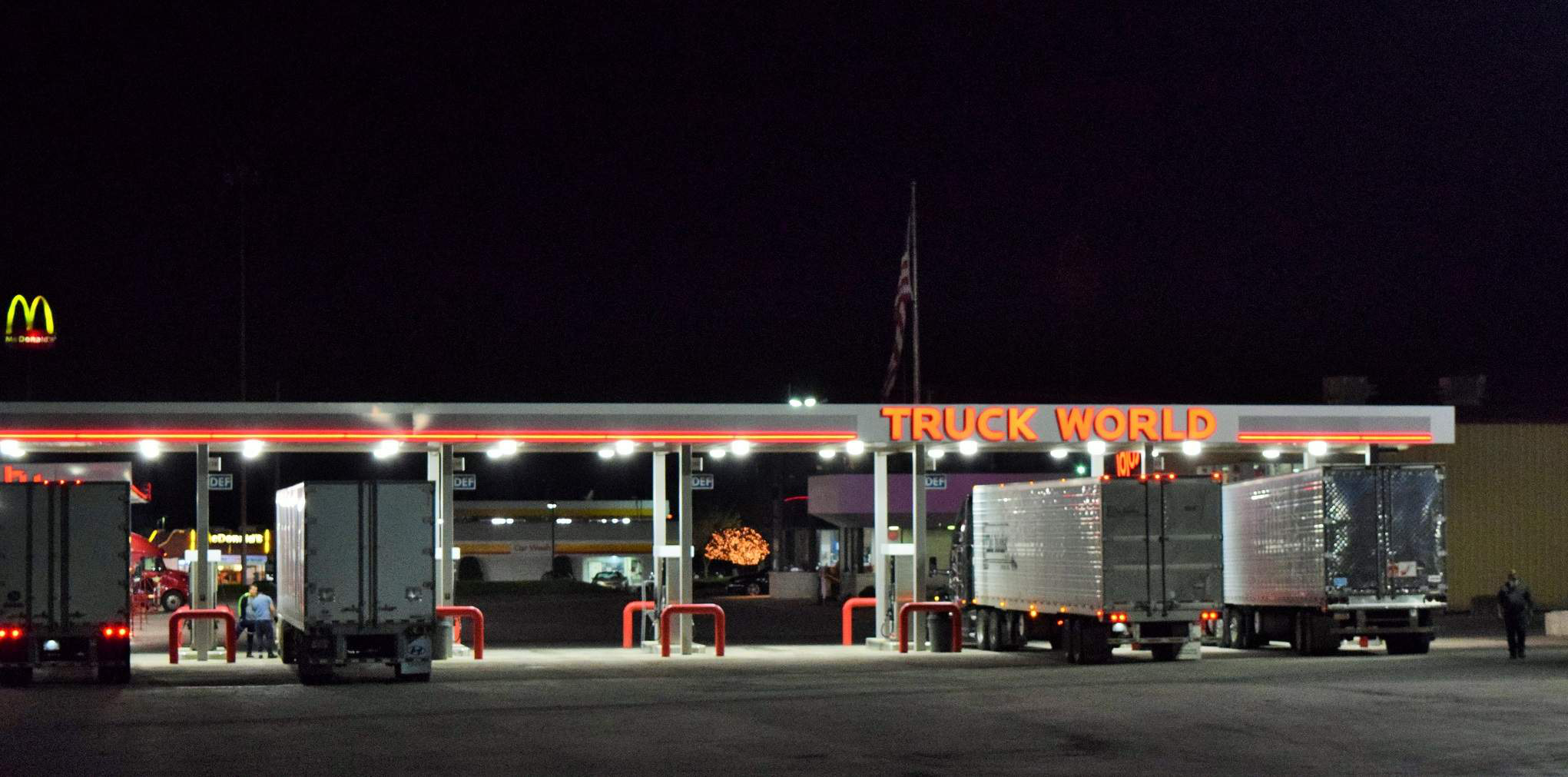 I got the opportunity two weeks back to visit the truck world stop in hubbard ohio just east of youngstown a full featured place with all manner of
