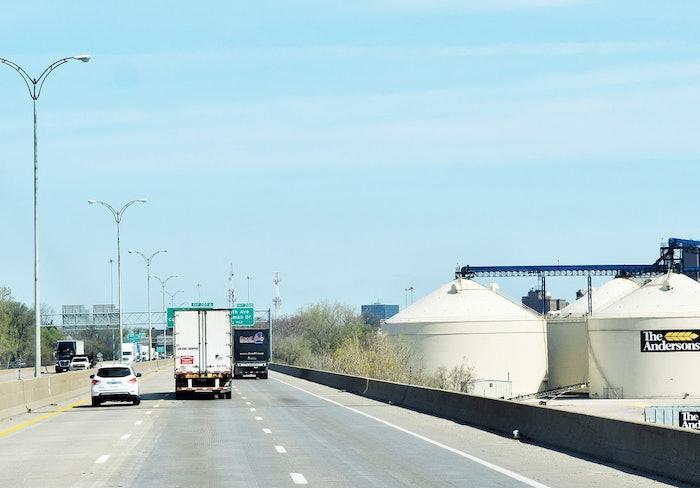 highway-shot-tanks-dry-van-2017-05-18-10-40