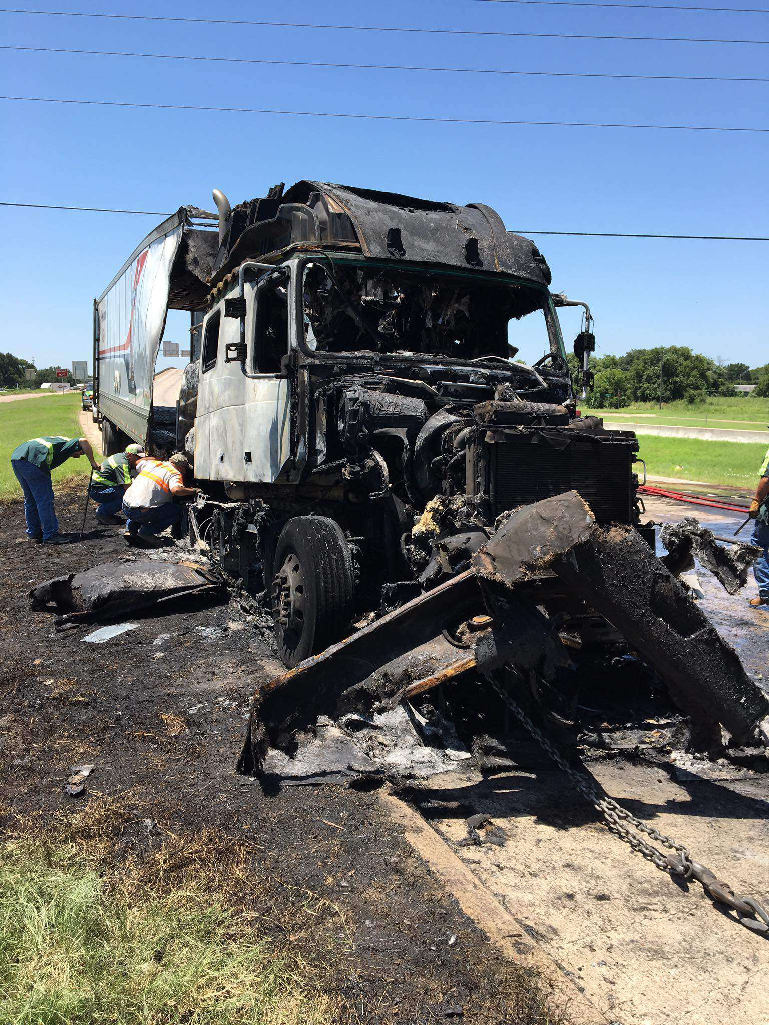 Eight killed in two fiery truck-involved crashes Tuesday in Texas