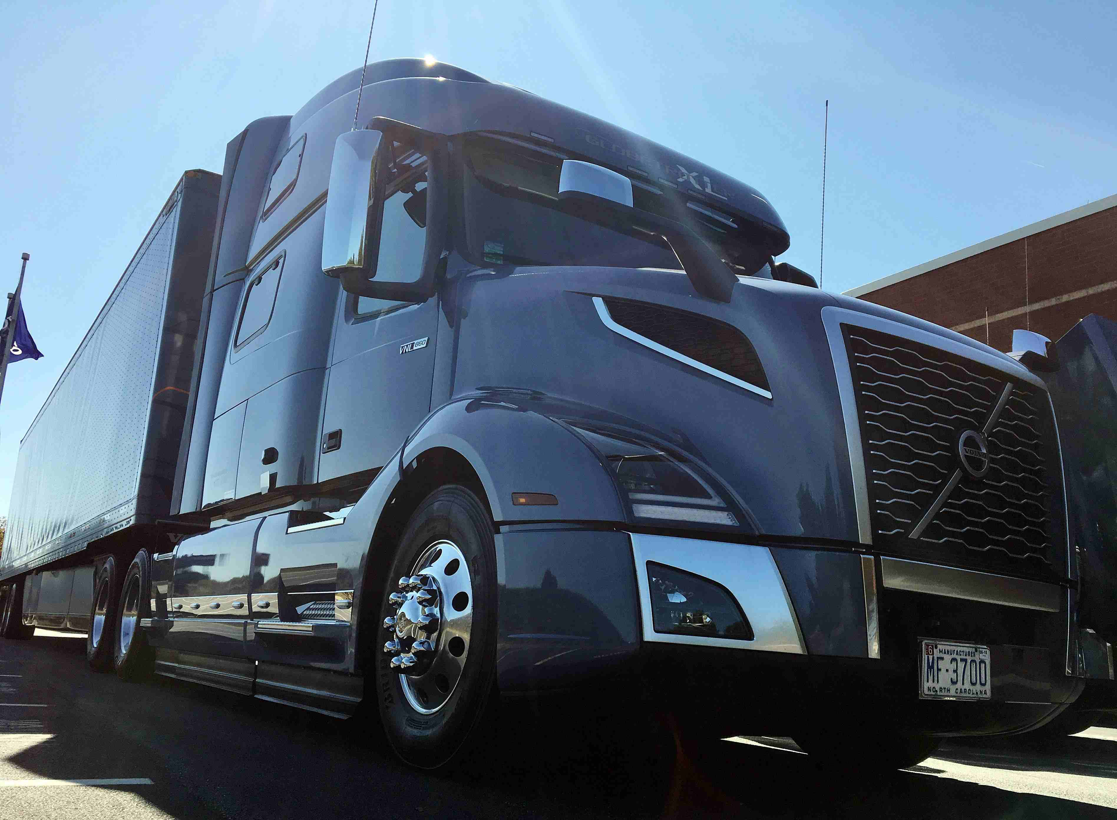 2018 volvo vnl 860. interesting 860 luxury old and new test driving volvou0027s new vnl  overdrive  owner  operators trucking magazine to 2018 volvo vnl 860