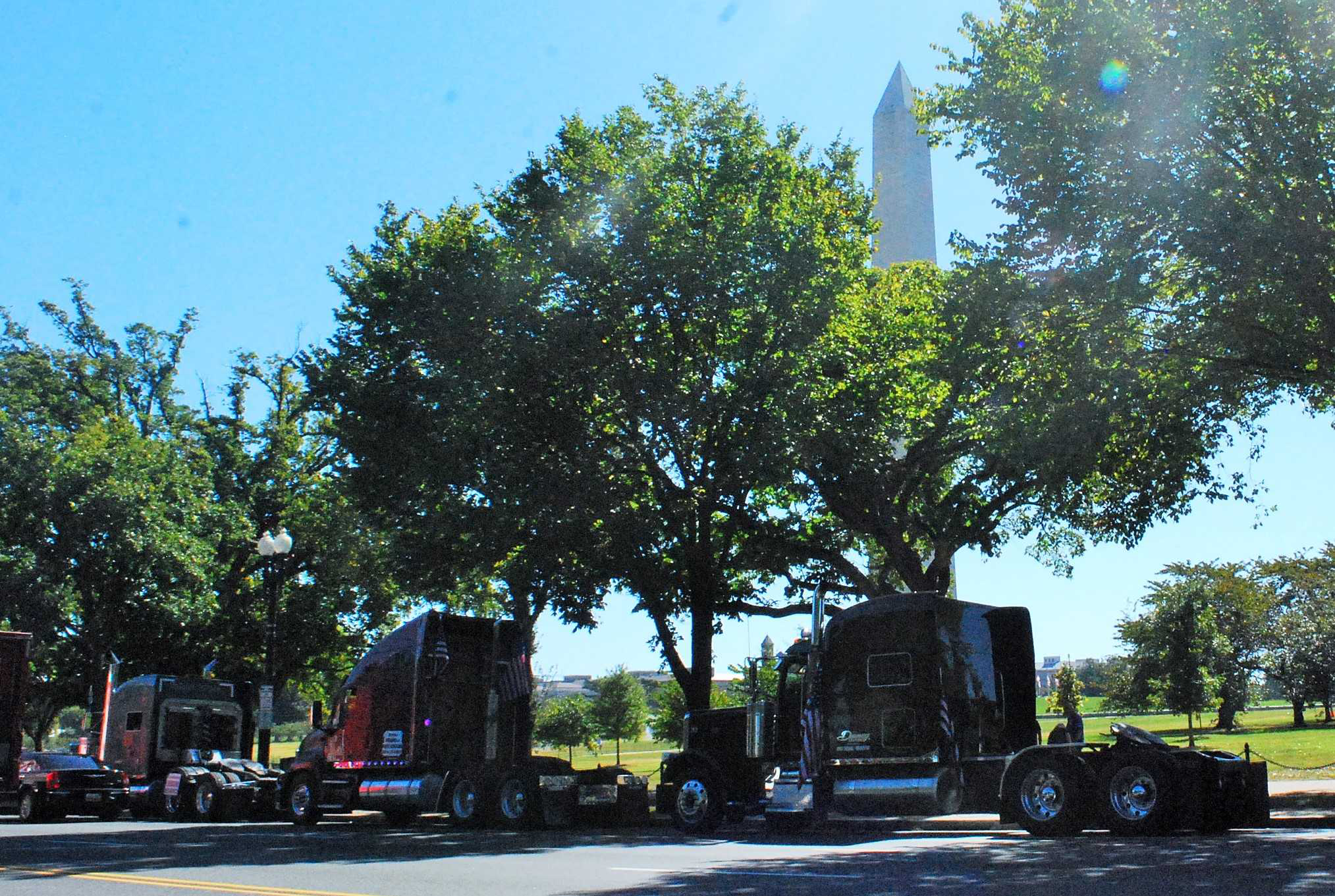 In The Wee Hours Of Morning Wednesday 30 Or More Trucks Rolled Into Washington DC Bobtail And Assumed Parking Positions Along Constitution Ave
