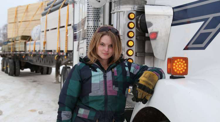 The Untold Truth About Ice Road Truckers Star - Lisa Kelly