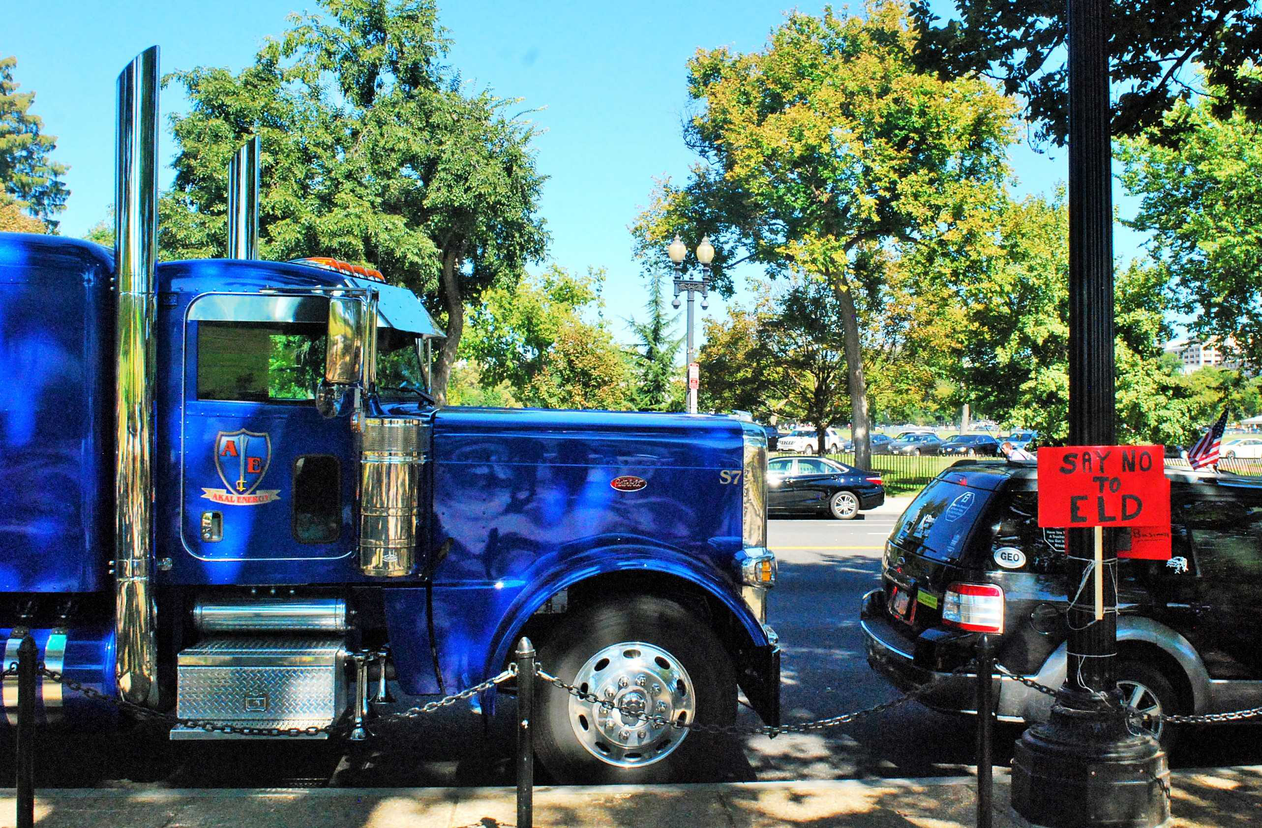 Into The Limelight Sikh Truckers In America