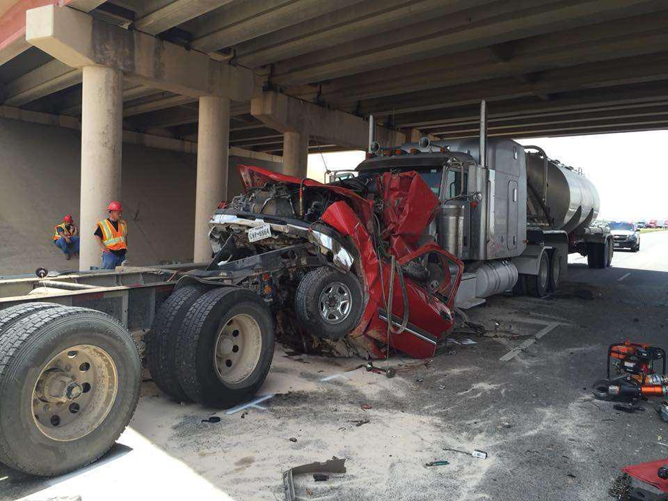 Trucker involved in fatal Texas crash fled on foot, caught