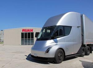 Tesla Semi visits customers, UPS and J.B. Hunt