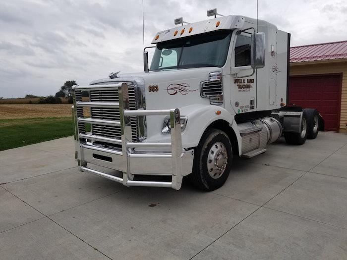 2015 Freightliner Coronado 122SD