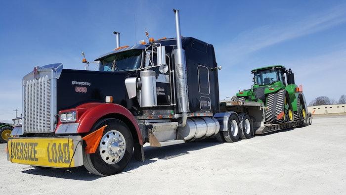 Farm equipment haulin