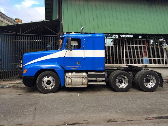 freightliner tractor head