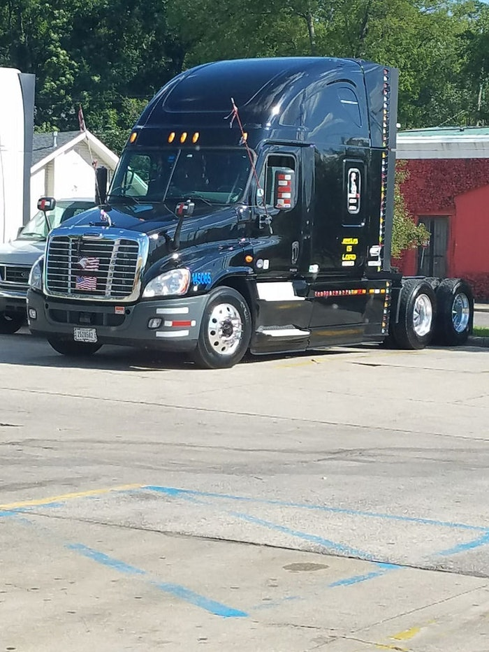 my truck 14 Freighliner Cascadia