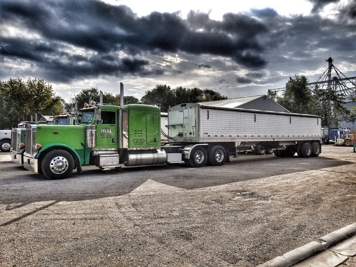 Hull trucking mason city Il