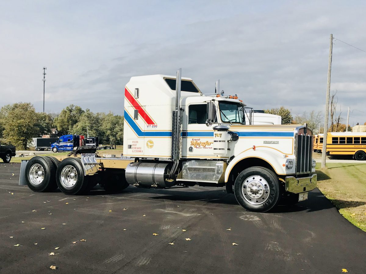 Metzger Trucking's 2018 Kenworth W900L and 1976 W9 Bicentennial